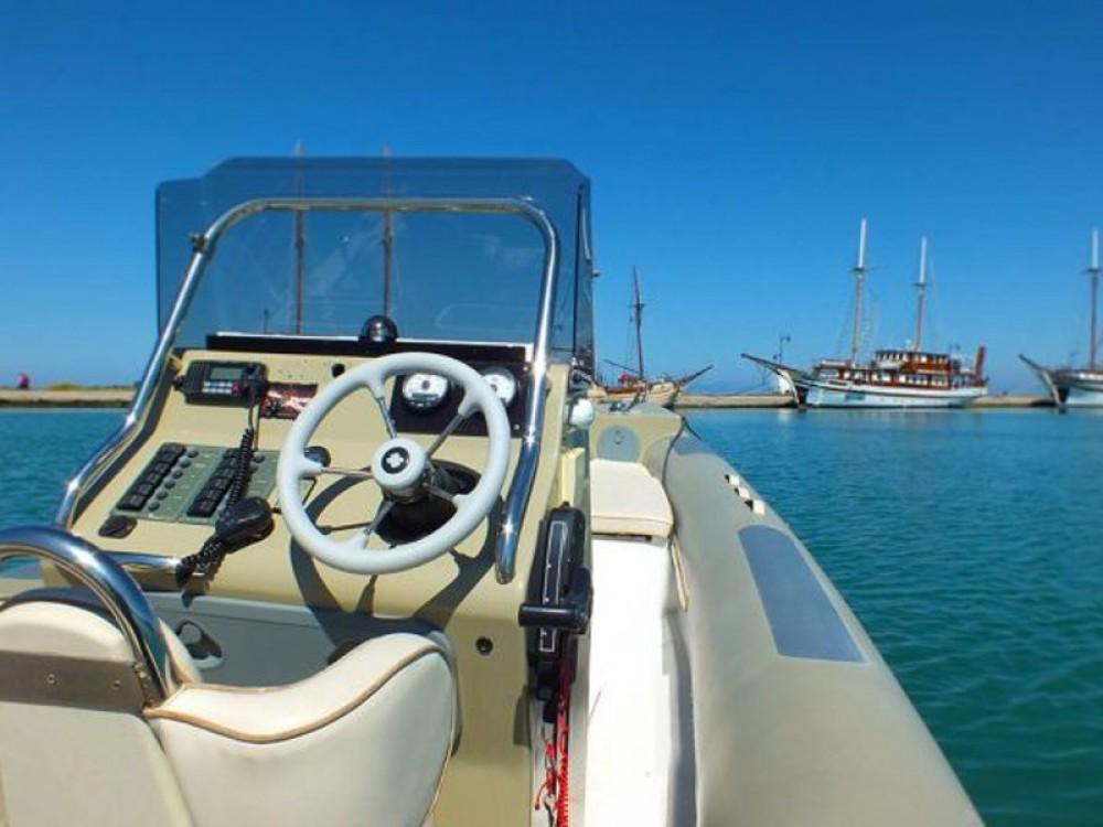 Huur Motorboot met of zonder schipper  in Leucade