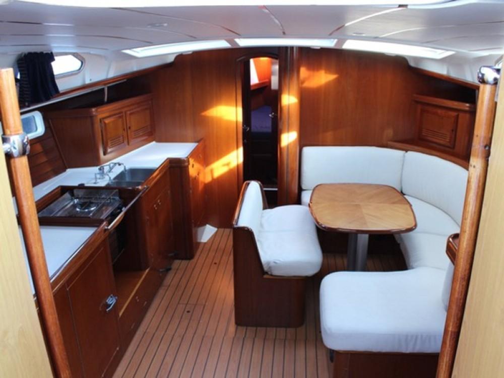 Bootverhuur Genua goedkoop Oceanis 473
