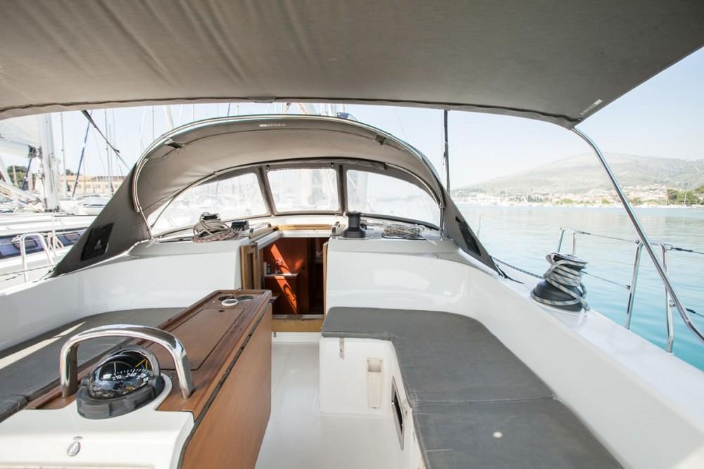 Jachthuur in  - Bavaria Bavaria Cruiser 51 via SamBoat