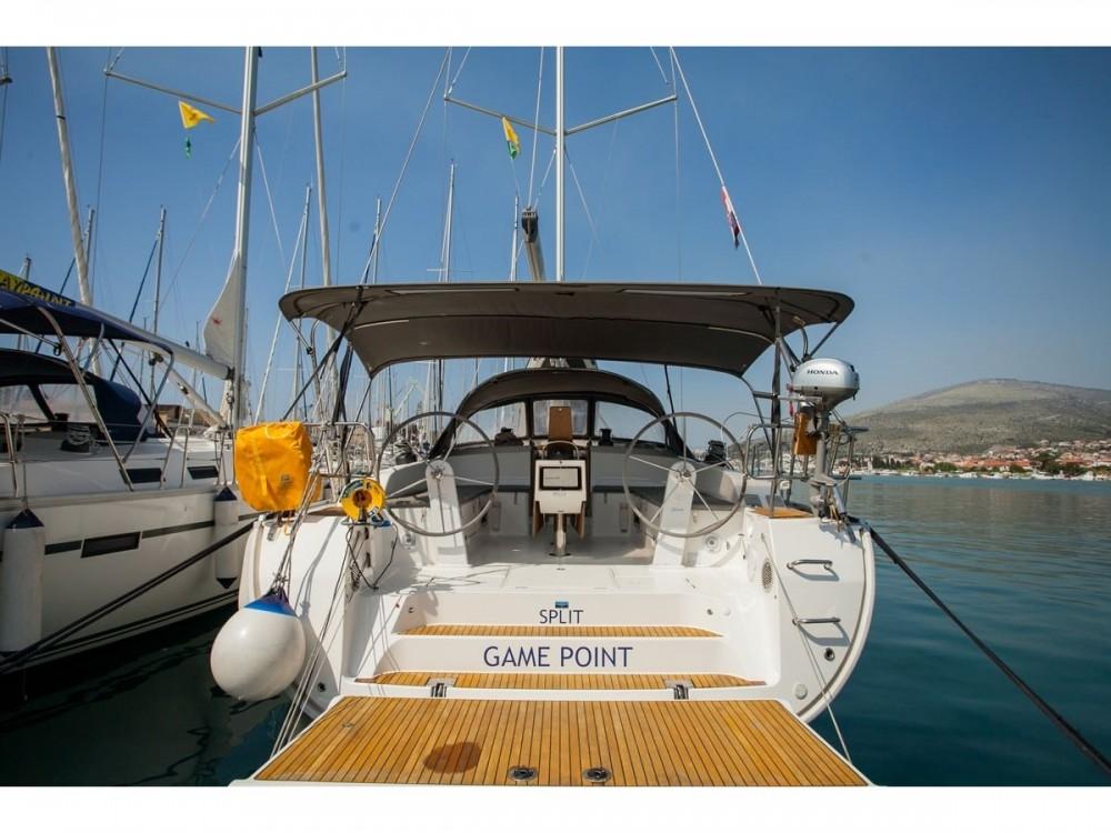 Verhuur Zeilboot in Donji Seget - Bavaria Bavaria Cruiser 51