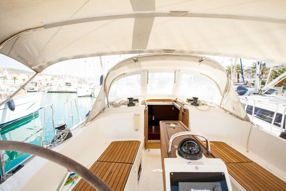 Jachthuur in ACI Marina Dubrovnik - Bavaria Bavaria Cruiser 37 via SamBoat