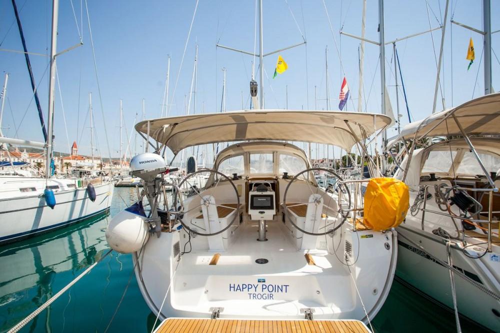 Huur een Bavaria Bavaria Cruiser 37 in ACI Marina Dubrovnik