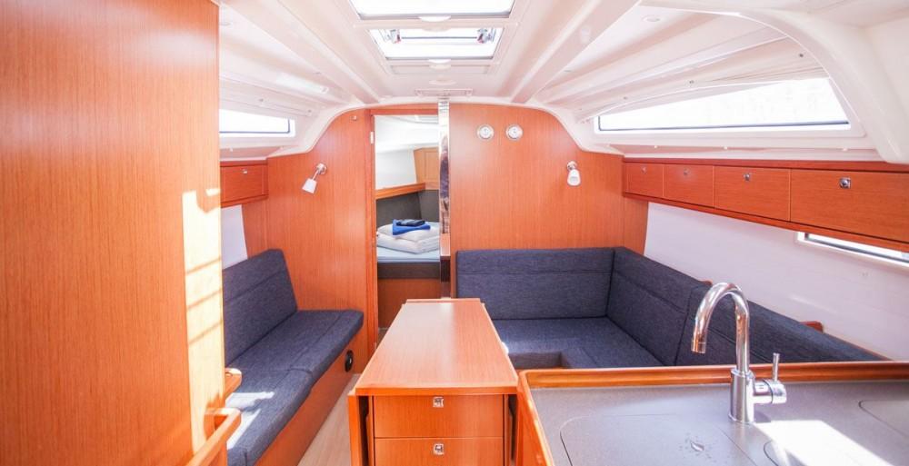 Verhuur Zeilboot in ACI Marina Dubrovnik - Bavaria Bavaria Cruiser 37