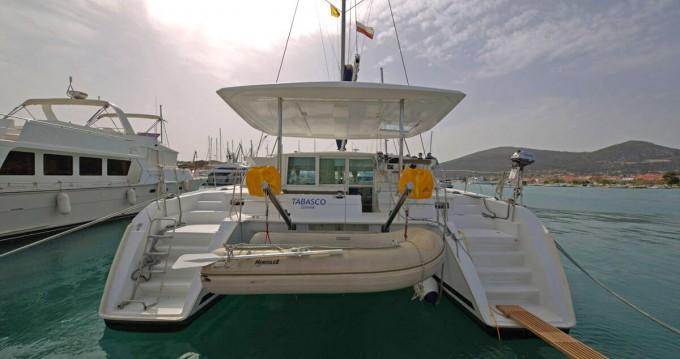 Huur een Lagoon Lagoon 420 in Trogir