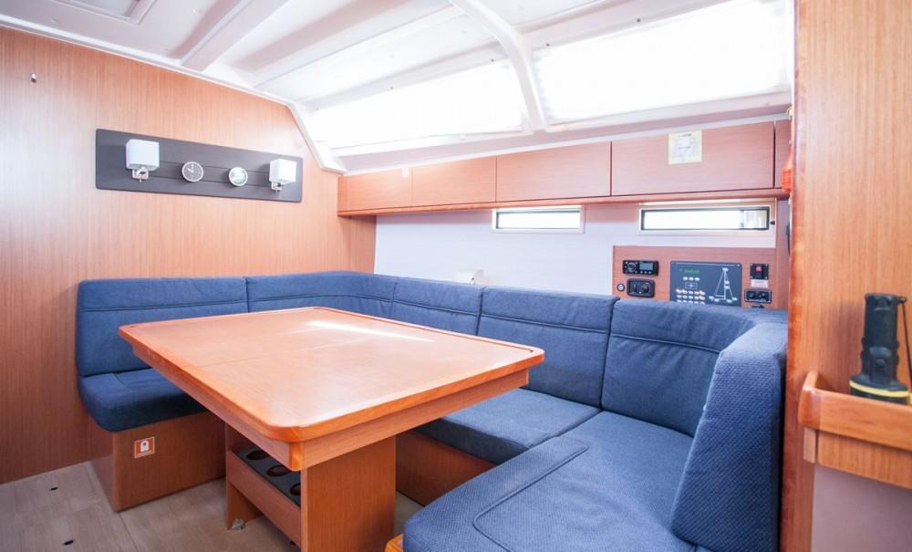Bootverhuur Trogir goedkoop Bavaria Cruiser 46