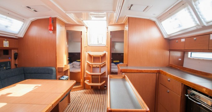 Bootverhuur Bavaria Cruiser 46 in Trogir via SamBoat