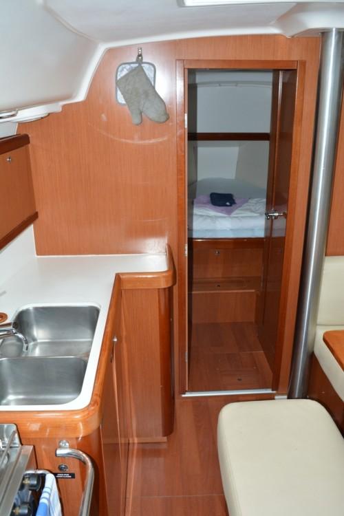 Bootverhuur Bénéteau Oceanis 40 in Trogir via SamBoat