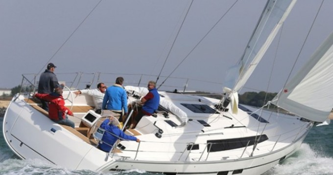 Huur een Bavaria Cruiser 46 in Athene