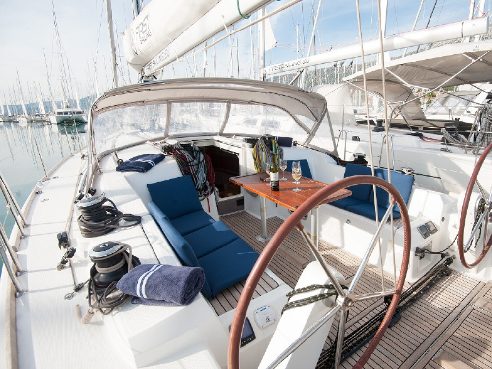 Huur Zeilboot met of zonder schipper Bénéteau in Kaštel Gomilica