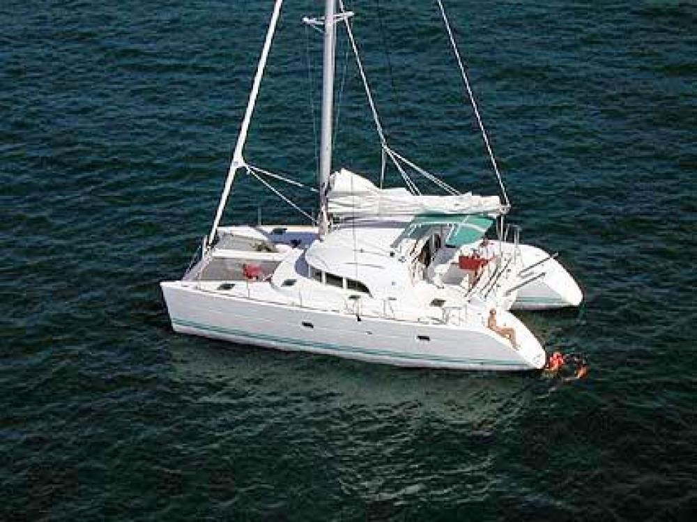 Huur Catamaran met of zonder schipper Lagoon in Volos