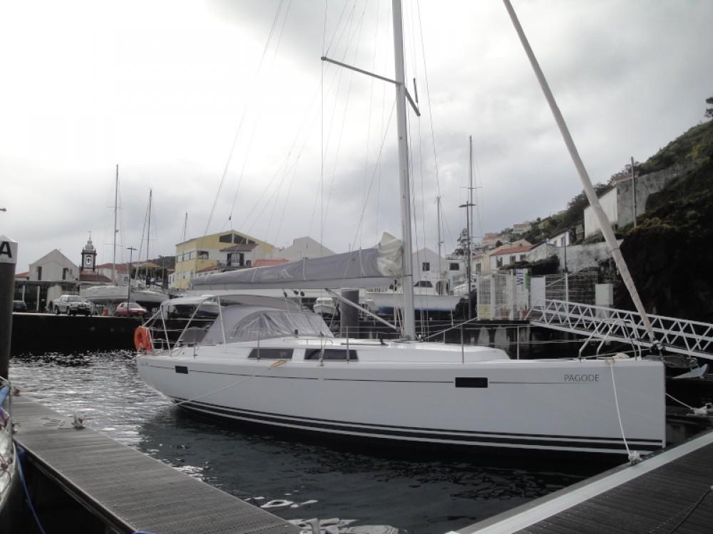Huur een Hanse Hanse 385 in Ponta Delgada (São Pedro)