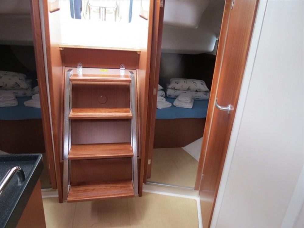Bootverhuur Ponta Delgada (São Pedro) goedkoop Hanse 385