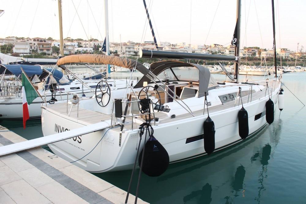 Huur een Dufour Dufour 56 Exclusive in Marina di Ragusa