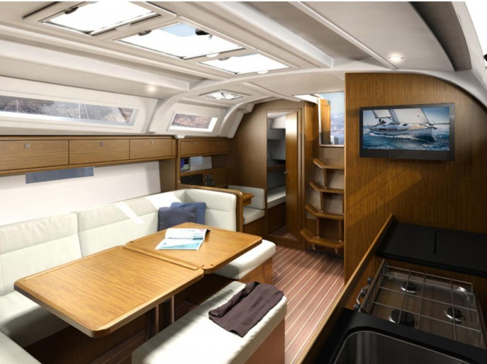 Bootverhuur Ponta Delgada goedkoop Bavaria Cruiser 41