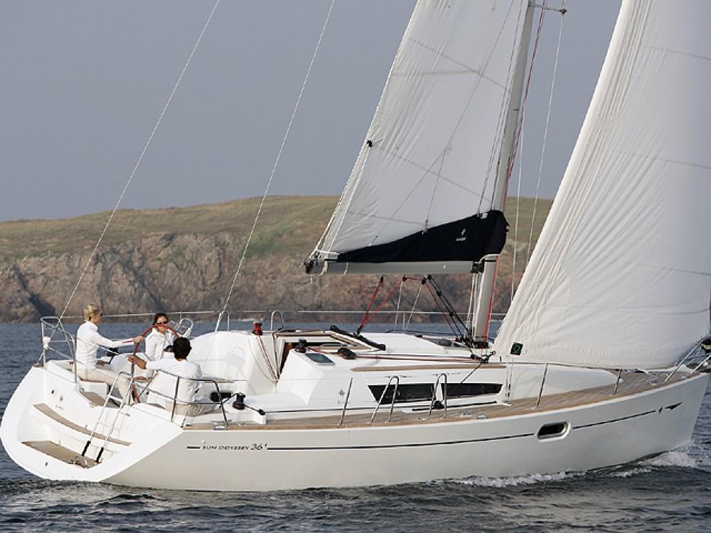 Bootverhuur Jeanneau Sun Odyssey 36i in Castiglione della Pescaia via SamBoat
