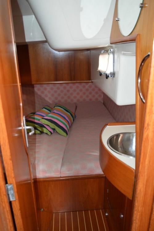 Verhuur Zeilboot in Castiglione della Pescaia - Jeanneau Sun Odyssey 42