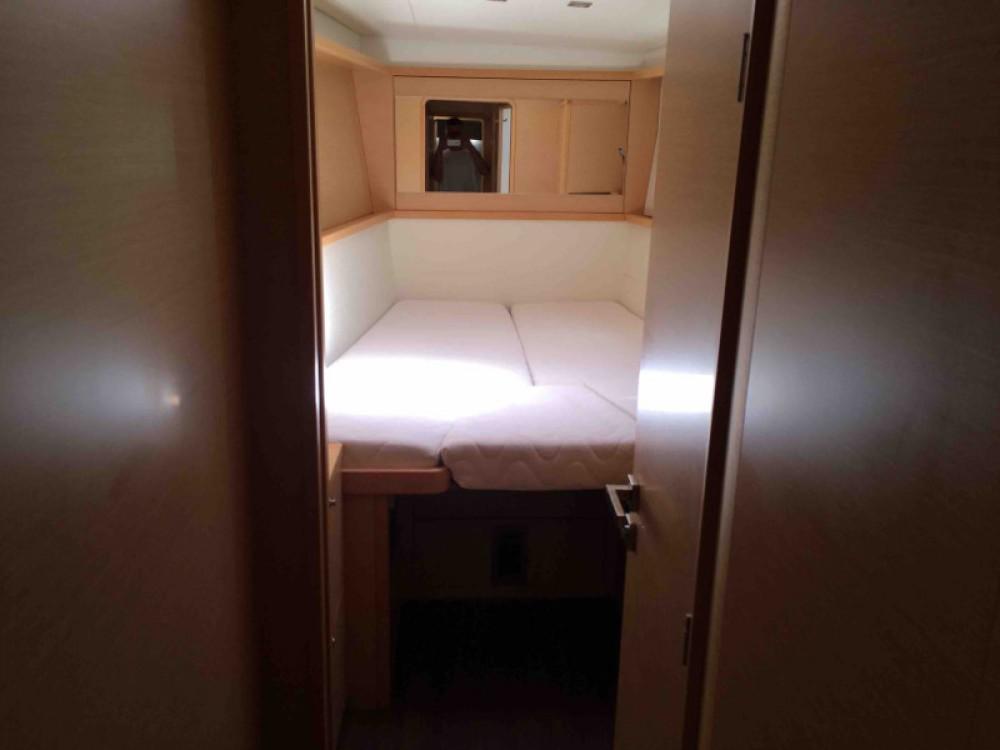 Catamaran te huur in Castellammare di Stabia voor de beste prijs