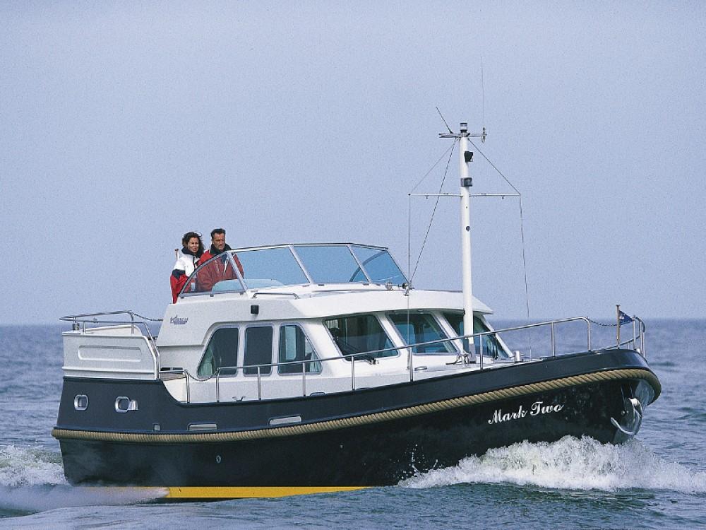 Motorboot te huur in Lübeck voor de beste prijs