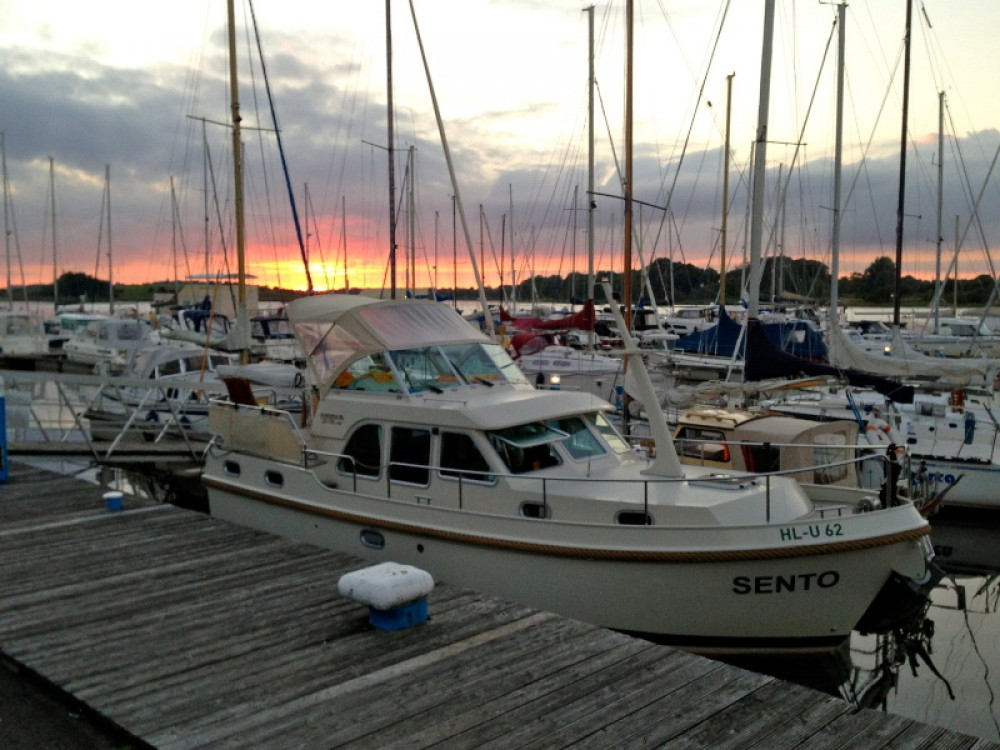 Bootverhuur Linssen Linssen Grand Sturdy 29.9 AC in Sundhagen via SamBoat