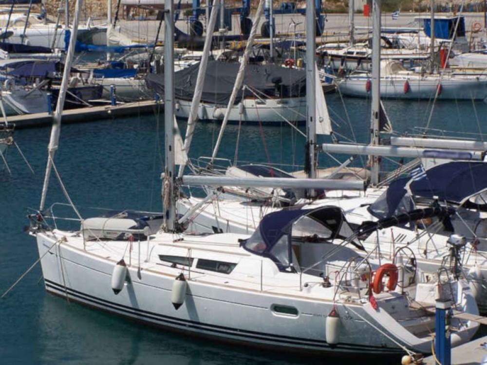 Huur een Jeanneau Sun Odyssey 39i in Nikiana
