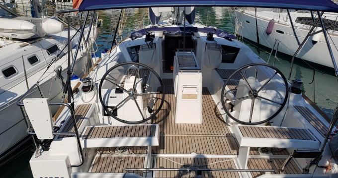 Bootverhuur Marina di Portorosa goedkoop Oceanis 35.1
