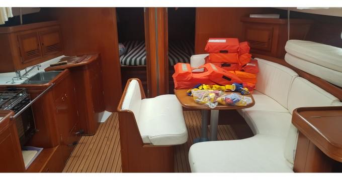 Bootverhuur Marina di Portorosa goedkoop Oceanis 473