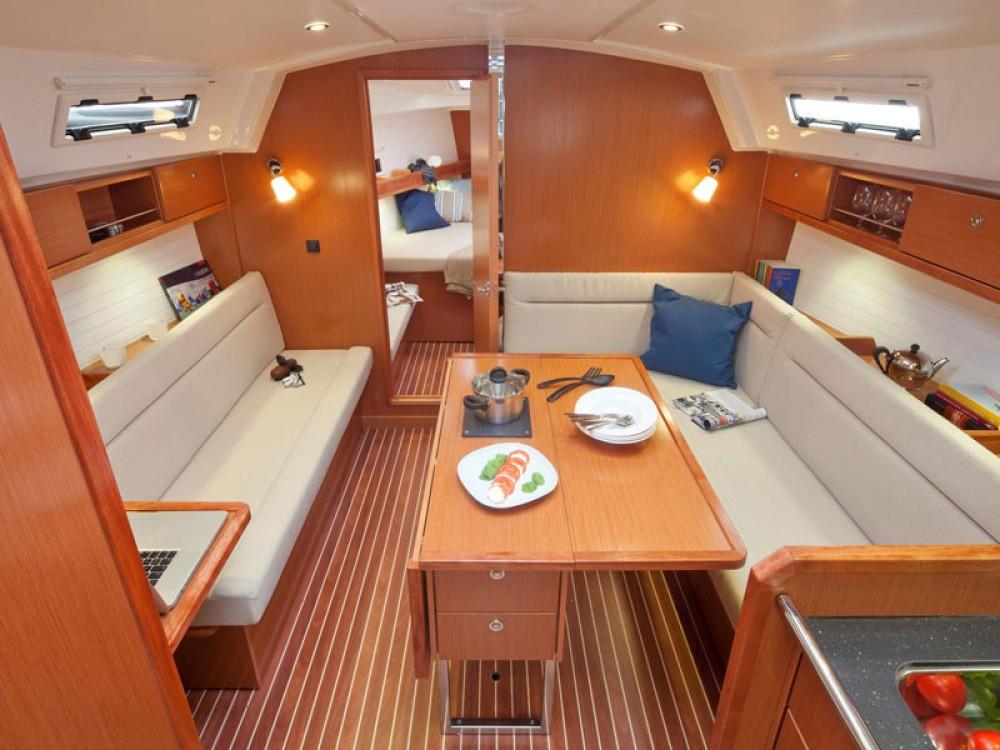 Jachthuur in Lissabon - Bavaria Bavaria 36 Cruiser via SamBoat