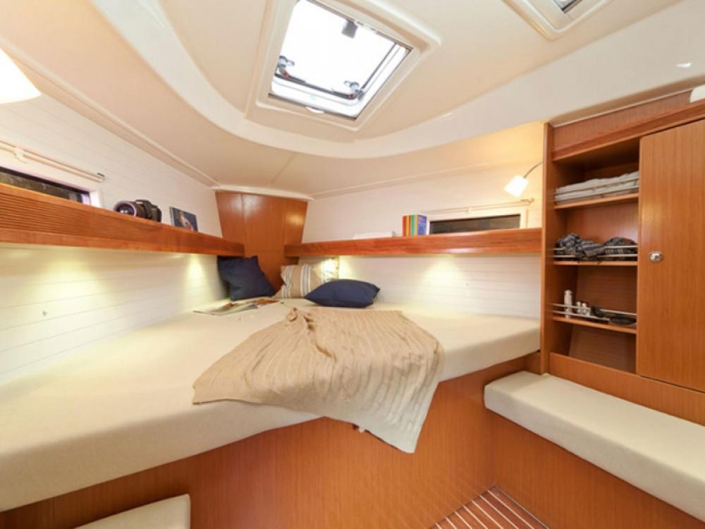 Bavaria Bavaria 36 Cruiser te huur van particulier of professional in Lissabon