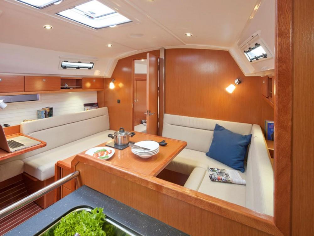 Verhuur Zeilboot in Lissabon - Bavaria Bavaria 36 Cruiser