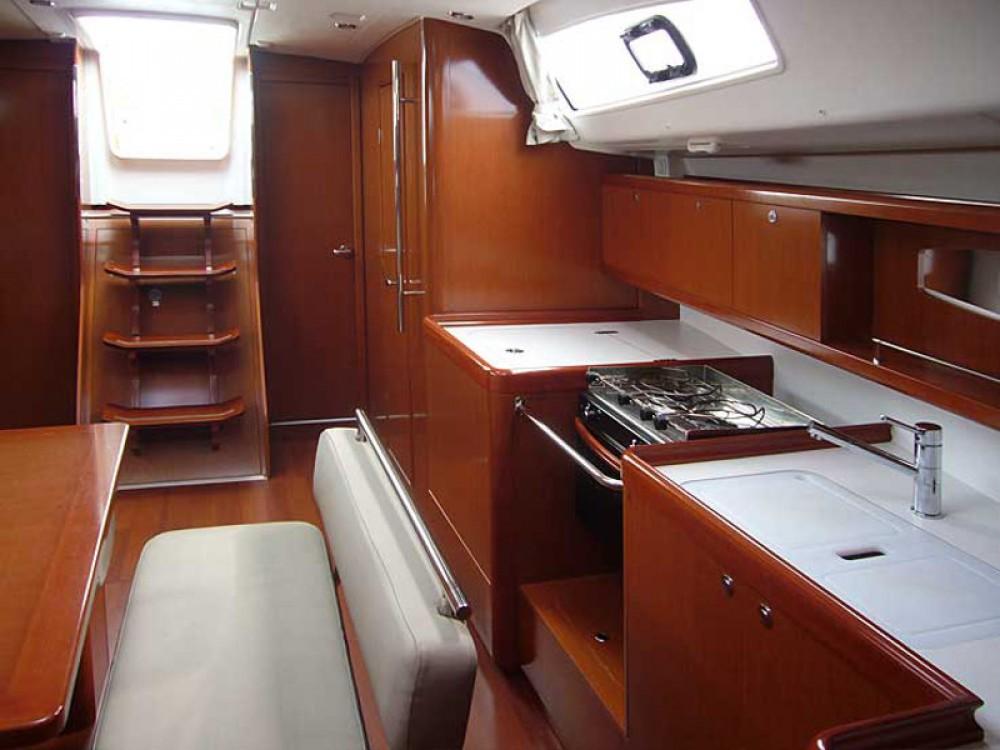 Verhuur Zeilboot in  - Bénéteau Oceanis 43