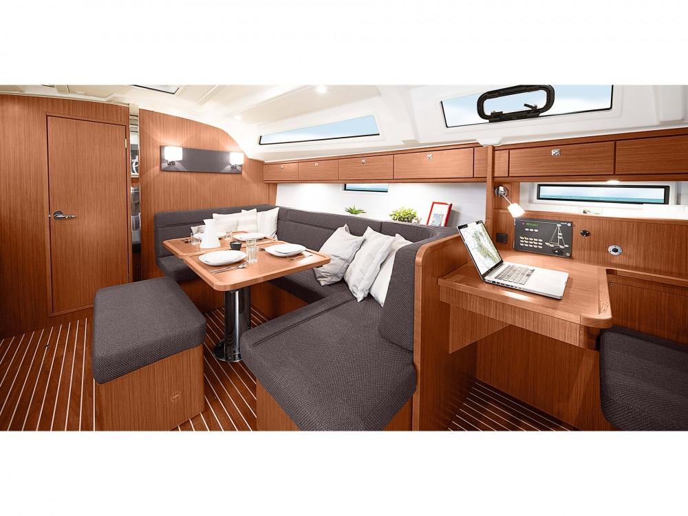 Bootverhuur Cascais e Estoril goedkoop Bavaria 41 Cruiser Style