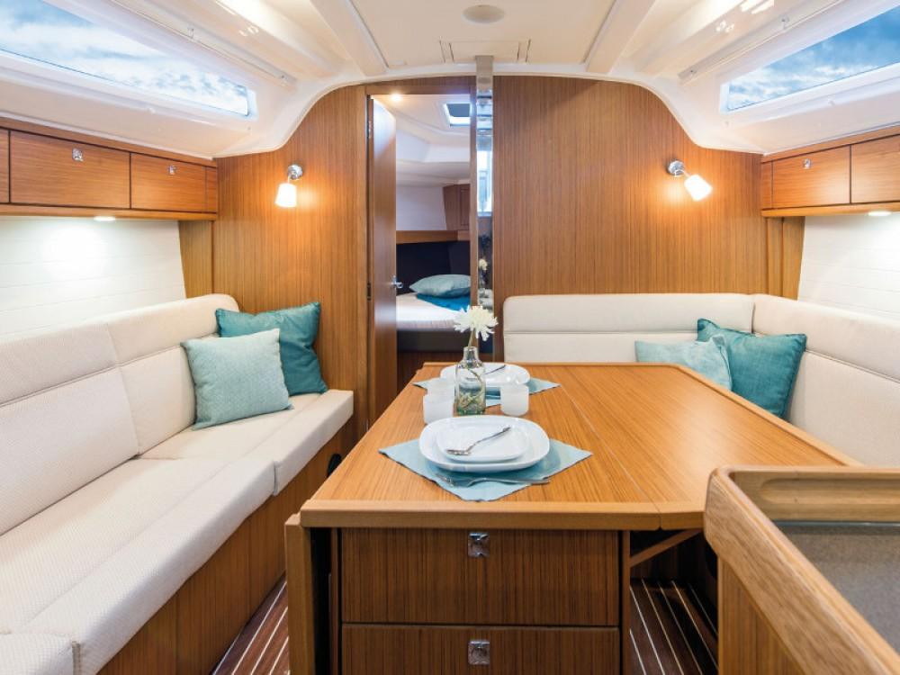 Verhuur Zeilboot in Marina Gouvia - Bavaria Bavaria Cruiser 37