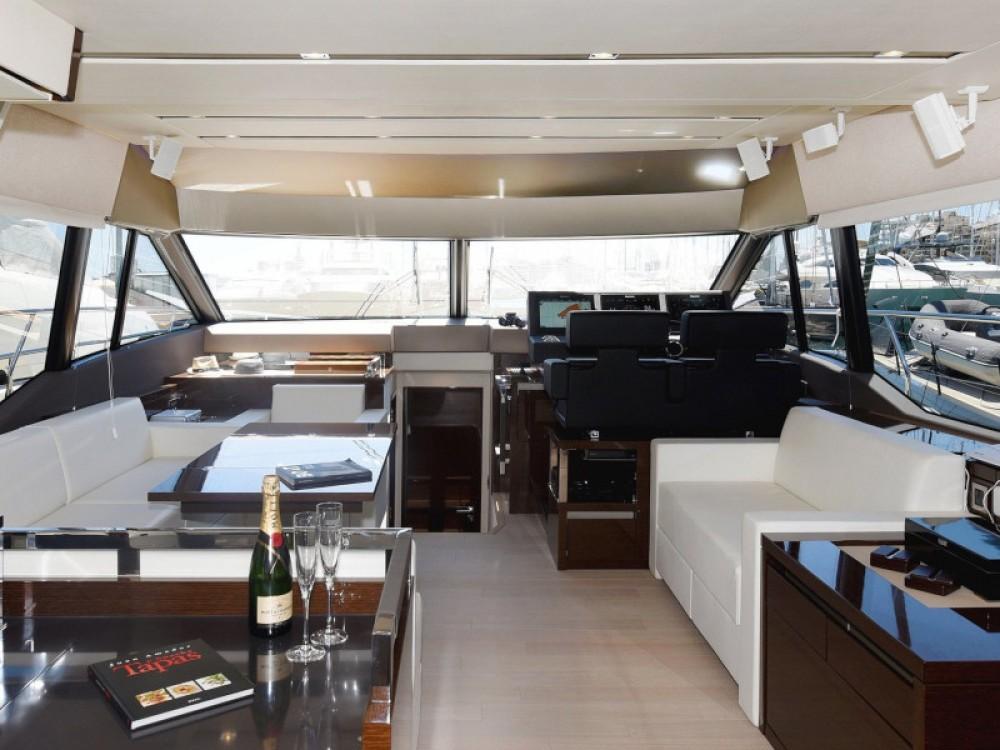 Bootverhuur Marina Port de Mallorca goedkoop Prestige 630 Fly