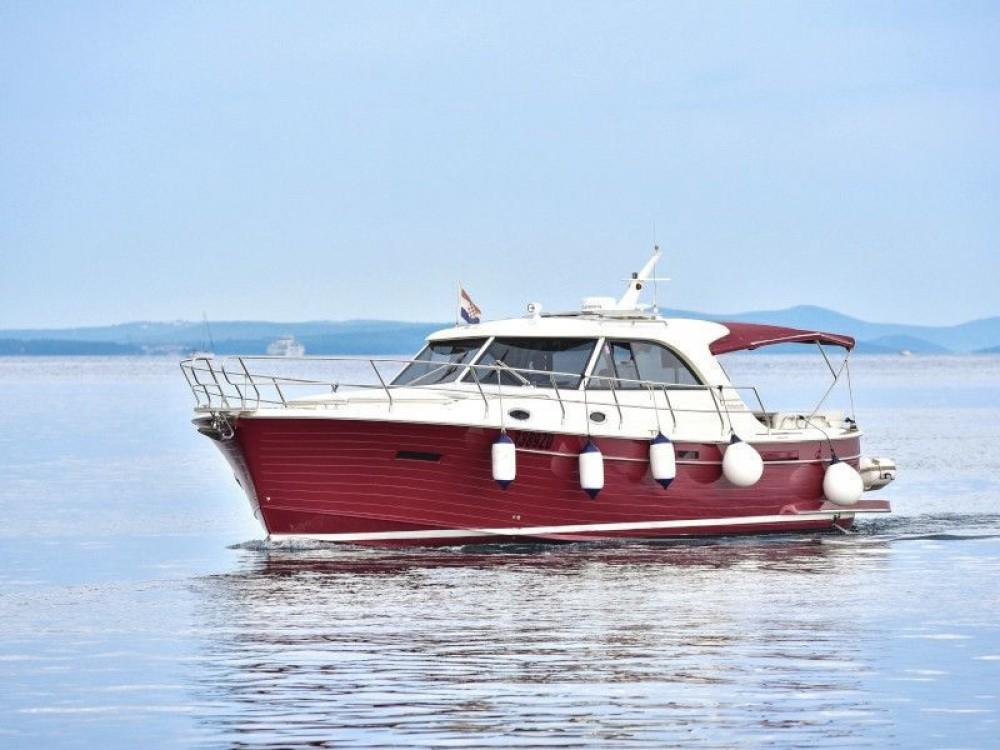 Bootverhuur Sas Vektor ADRIANA 44 in Marina Zadar via SamBoat