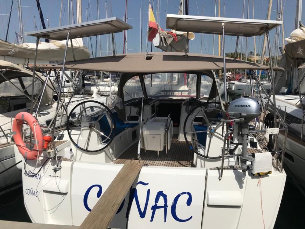 Bootverhuur Jeanneau Sun Odyssey 519 in  via SamBoat