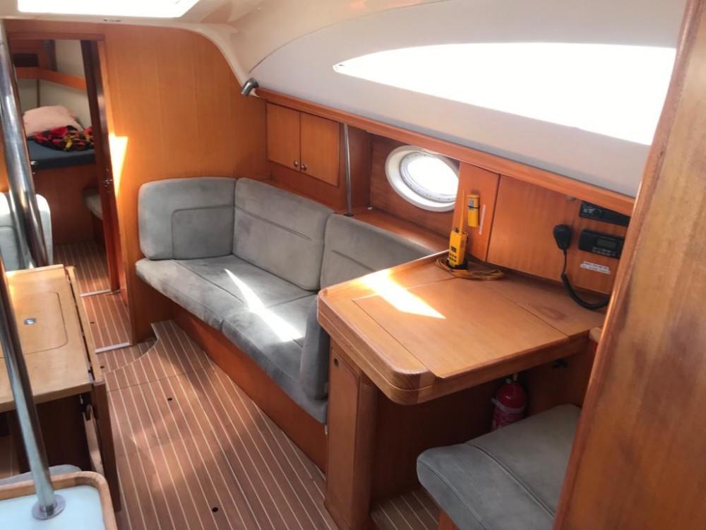 Bootverhuur Elan Elan 434 Impression in Palma via SamBoat