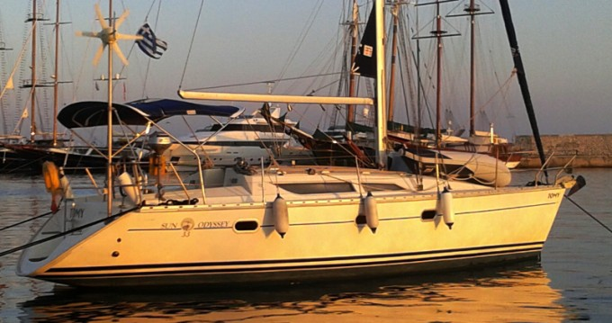 Huur een Jeanneau Sun Odyssey 33 in Pálairos