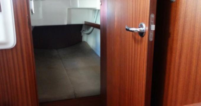 Verhuur Motorboot Delphia met vaarbewijs