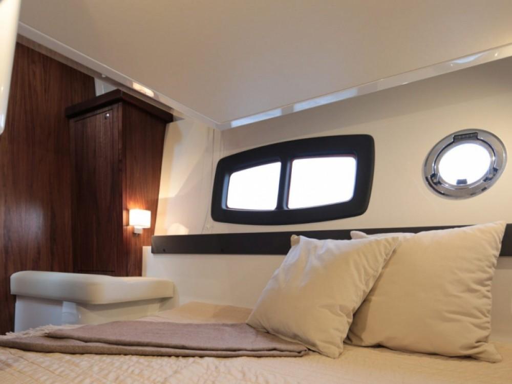 Bootverhuur  Grandezza 34 OC in Trogir via SamBoat