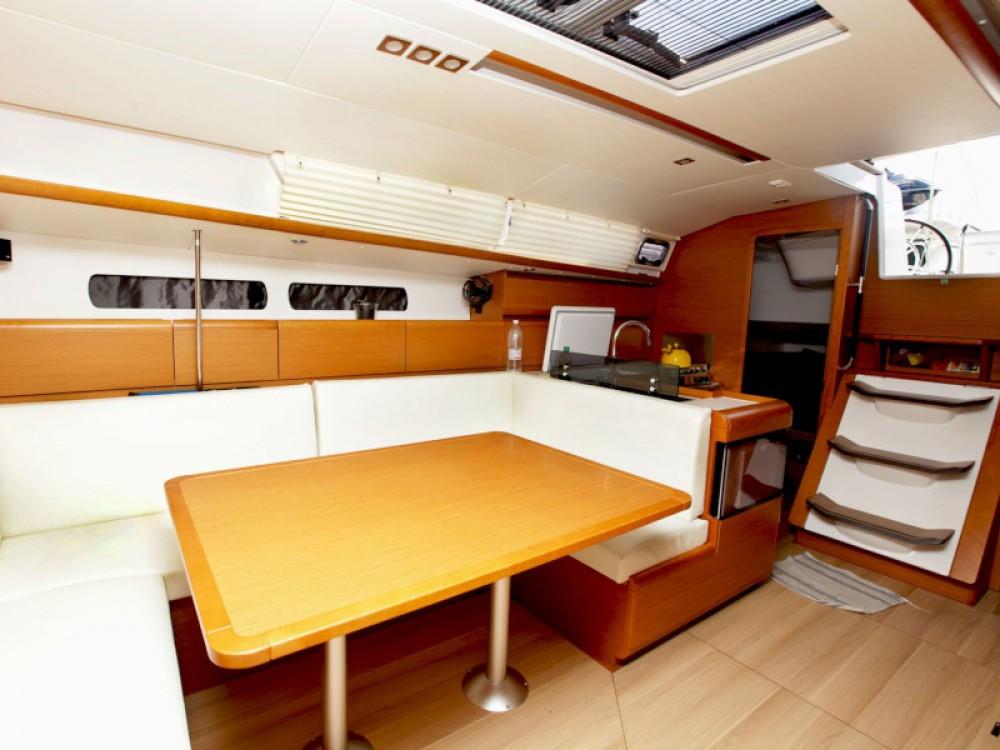 Jachthuur in  - Jeanneau Sun Odyssey 439 via SamBoat