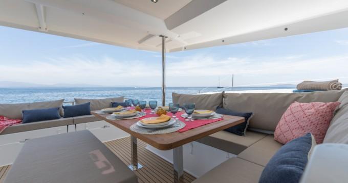 Catamaran te huur in Castiglioncello voor de beste prijs