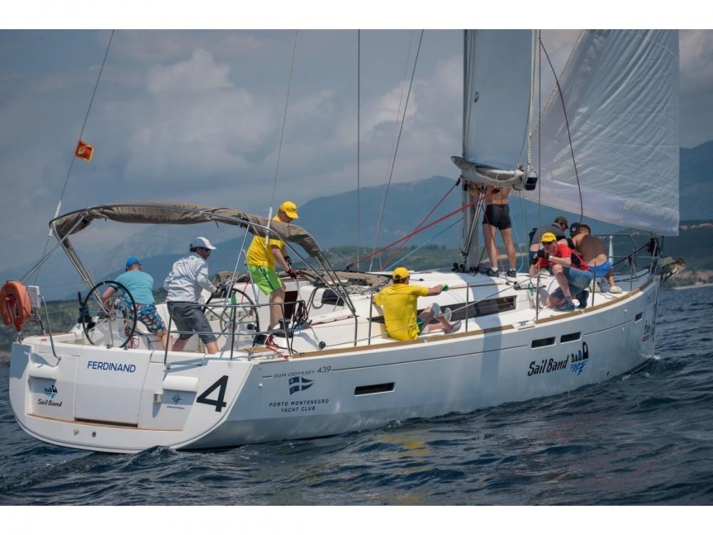 Huur een Jeanneau Sun Odyssey 439 in Tivat