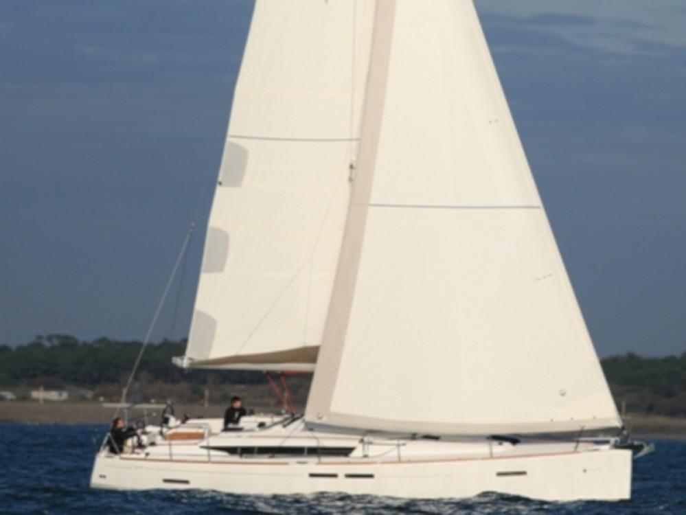 Bootverhuur Jeanneau Sun Odyssey 439 in  via SamBoat