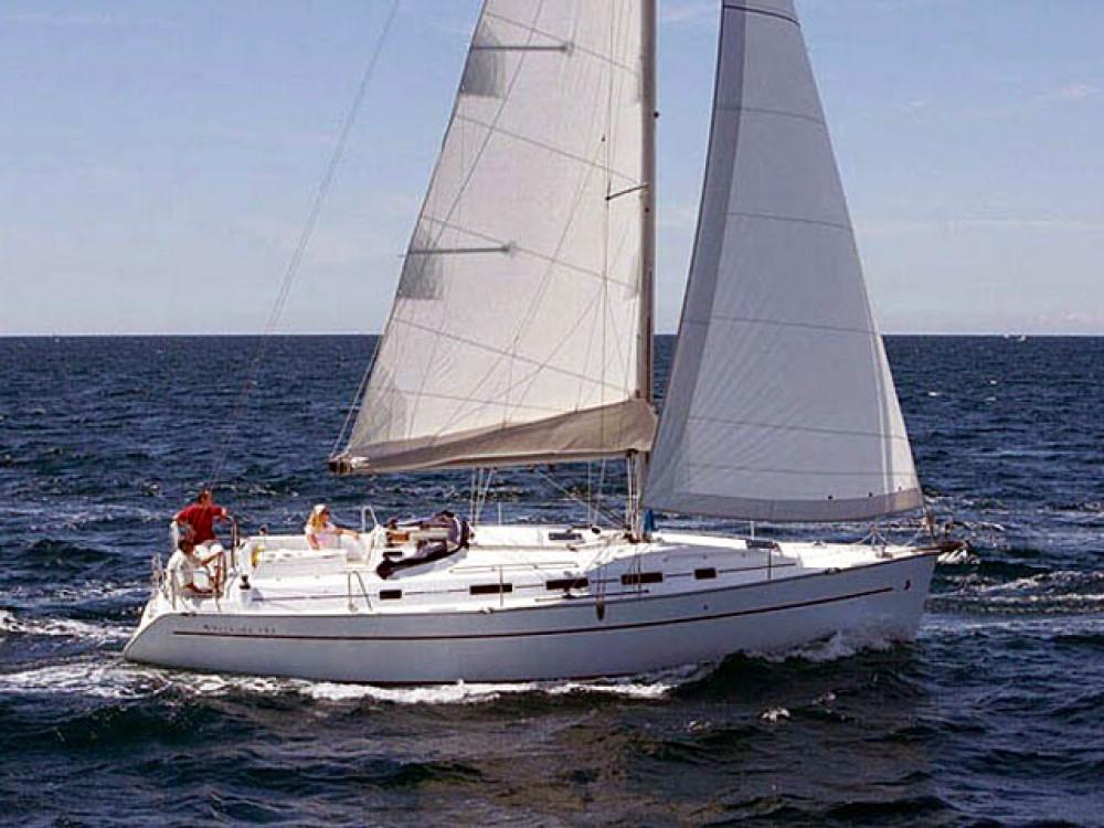 Huur een Bénéteau Cyclades 39.3 in Marina de Alimos