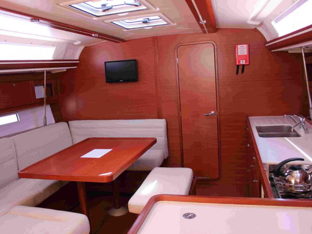 Bootverhuur Álimos goedkoop Dufour 450 GL
