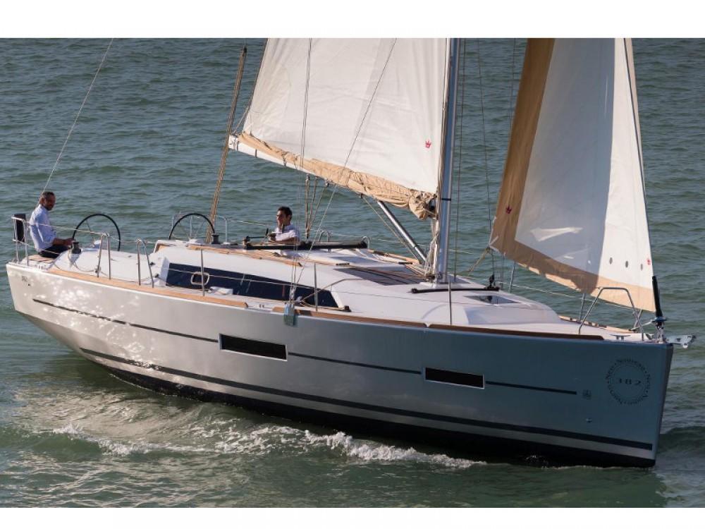 Verhuur Zeilboot in Marina de Alimos - Dufour Dufour 382 GL