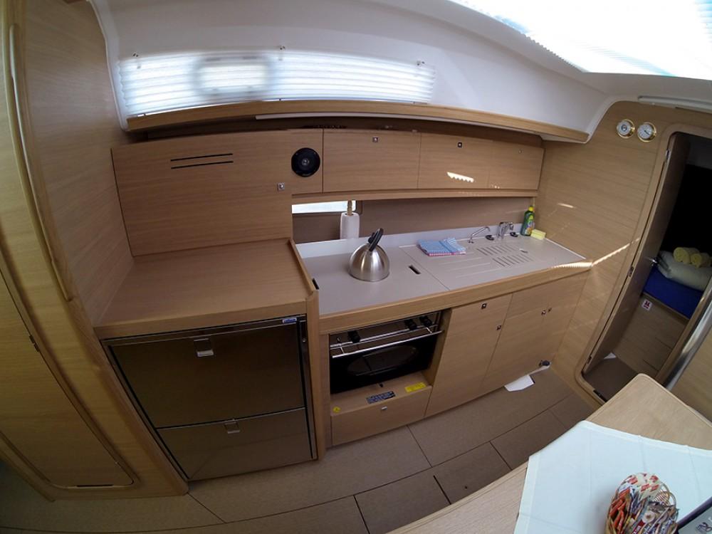 Verhuur Zeilboot in Šibenik - Dufour Dufour 382 GL