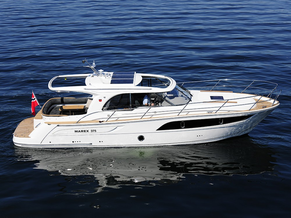 Motorboot te huur in Šibenik voor de beste prijs