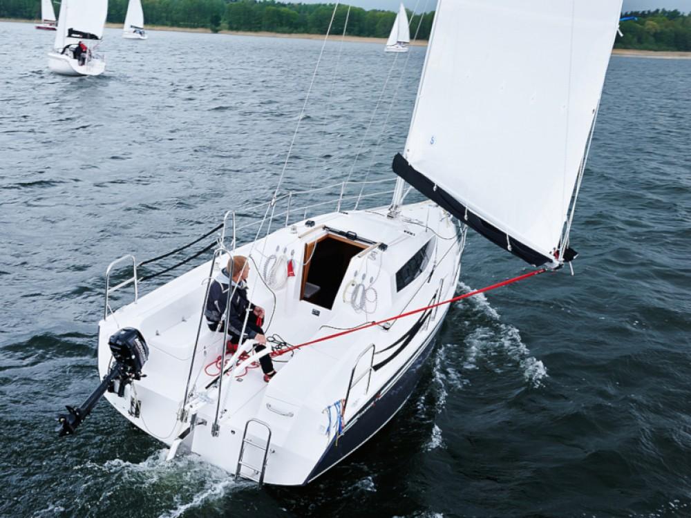 Bootverhuur Northman Maxus 26 Prestige + 8/0 in Węgorzewo via SamBoat
