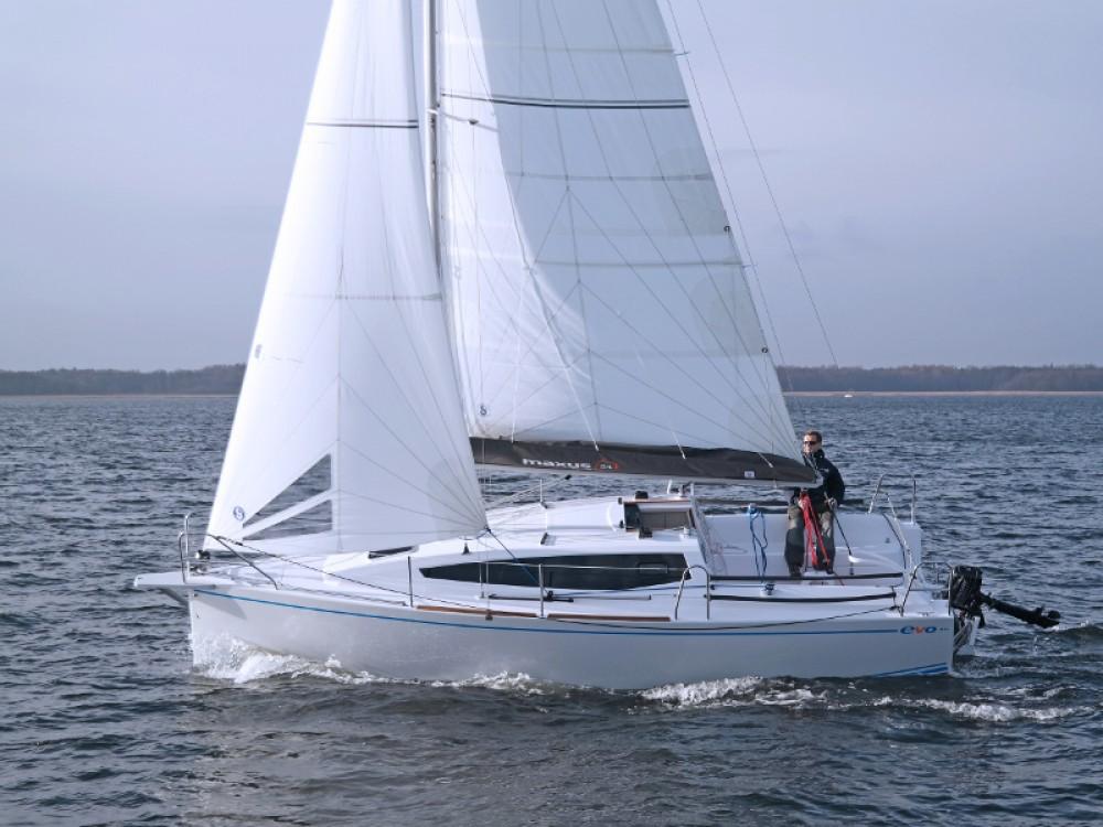 Bootverhuur Port PTTK Wilkasy goedkoop Maxus 26 Prestige + 8/1